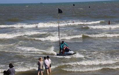 Giải cứu thành công gần 40 du khách bị ao xoáy trên biển Vũng Tàu