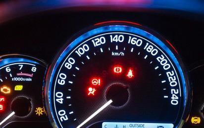Hiểu tường tận ý nghĩa tất tần tật các loại đèn báo trên xe hơi