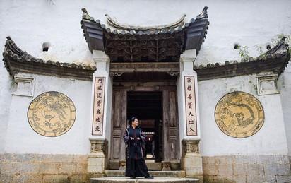 Bên trong tòa dinh thự uy nghi 99 tuổi, trị giá 150 tỷ của Vua Mèo tại cao nguyên đá Đồng Văn có gì?