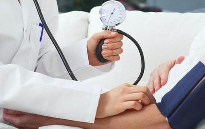 """Cách """"sống chung"""" với bệnh huyết áp thấp"""