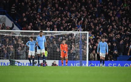 Man City sẽ mất ngôi vương Premier League vì sự kiêu ngạo?