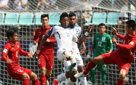 """Sức cùng lực kiệt, U20 Việt Nam đớn đau rời World Cup bởi đòn """"hồi mã thương"""" chí mạng"""