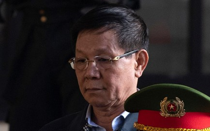 Cựu tướng Phan Văn Vĩnh bị thẩm vấn, nói thấm thía, ân hận