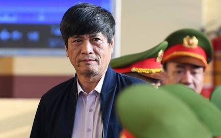 Cựu tướng Nguyễn Thanh Hóa xin hỗ trợ y tế sau khi bị đề nghị mức án, nhiều nữ bị cáo khóc