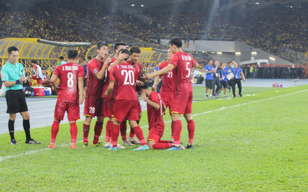 TRỰC TIẾP Malaysia 1-2 Việt Nam: Malaysia bất ngờ rút ngắn tỉ số