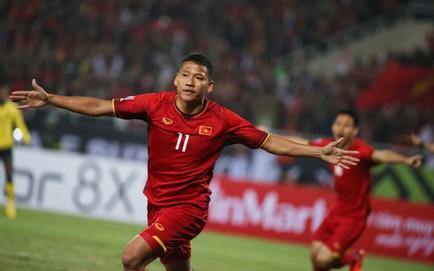 TRỰC TIẾP Việt Nam 1-0 Malaysia: Đặng Văn Lâm cản phá xuất thần!
