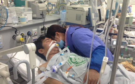 """A9 Bạch Mai """"vỡ trận"""" vì bệnh nhân nhập viện đông trong dịp Tết"""