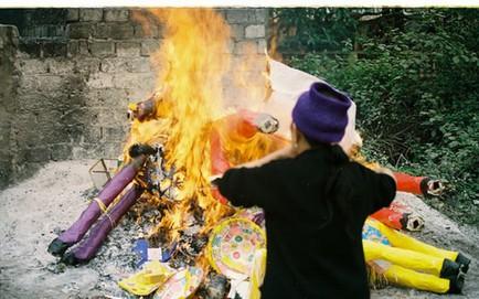 """GS Trần Lâm Biền: """"Đốt tiền vàng để các cụ đút lót là đem rác rưởi thế gian vào cõi thiêng"""""""
