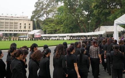 Hàng nghìn người dân Sài Gòn xếp hàng viếng cố Thủ tướng Phan Văn Khải lần cuối