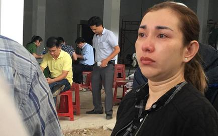 Vụ cháy chung cư Carina: 3 người trong gia đình chết cháy, người thân ngã quỵ nhận xác đem về quê