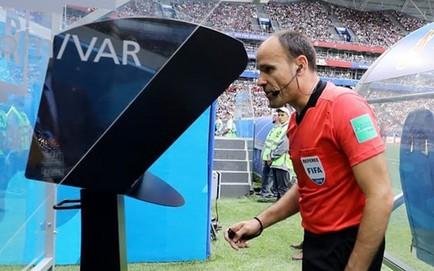 """Vấn đề của World Cup 2018: VAR """"lung tung"""""""