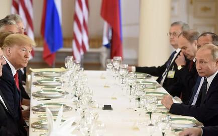 """[CẬP NHẬT] Lãnh đạo Nga - Mỹ """"lặng như tờ"""" trên bàn tiệc sau cuộc gặp 1-1 dài hơi"""