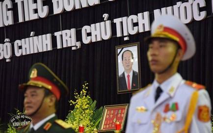 1.500 đoàn với khoảng 50.000 người đến viếng cố Chủ tịch nước Trần Đại Quang