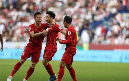 TRỰC TIẾP Việt Nam 1-1 Jordan: Công Phượng dứt điểm tuyệt vời san bằng tỉ số cho Việt Nam