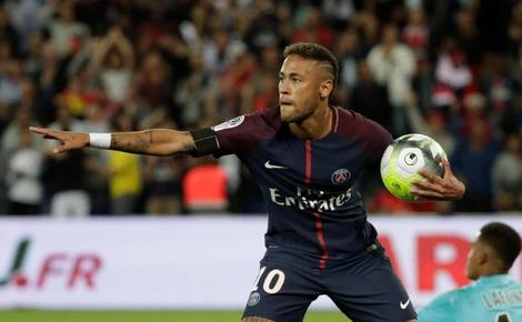 """Neymar """"nhảy múa"""" giữa dàn cầu thủ Toulouse, lập cú đúp giúp PSG thắng lợi"""