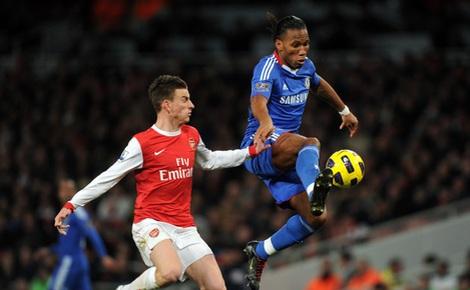 Vào chung kết FA Cup, Arsenal bị 'hung thần' dọa nạt