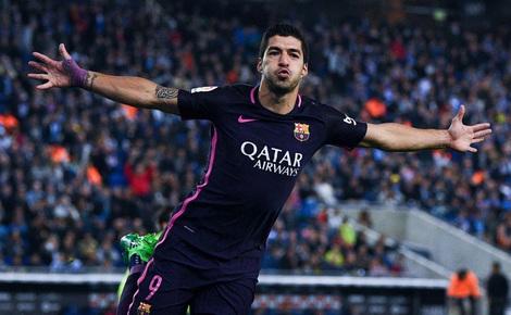 Luis Suarez lập cú đúp, Barca giữ vững ngôi đầu