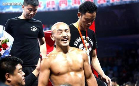 10 ngày sau thảm bại, Yi Long đáp trả lời kêu gọi giải nghệ của truyền thông Trung Quốc