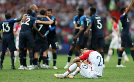 Bởi đối diện là Les Bleus, nên Croatia phải oằn lưng dưới đòn roi nghiệt ngã