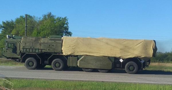 """""""Bão lửa"""" đã thành hình: Hỏa tiễn Grom-2 tầm bắn 300km sẵn sàng chiến đấu?"""