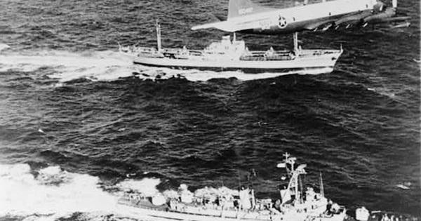 """""""Những tay cướp biển"""" –  tàu ngầm Liên Xô: Phá thiên la địa võng của Hải quân Mỹ"""