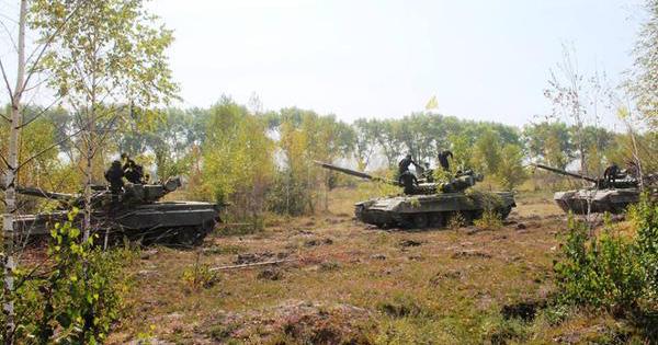 Ukraine tung xe tăng hiện đại tới Miền Đông: Cuộc tấn công tổng lực, khốc liệt sắp nổ ra?