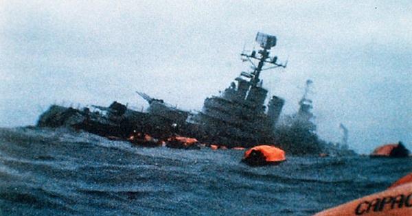Trong 72 năm qua, chỉ có 2 tàu ngầm từng đánh chìm tàu chiến đối phương