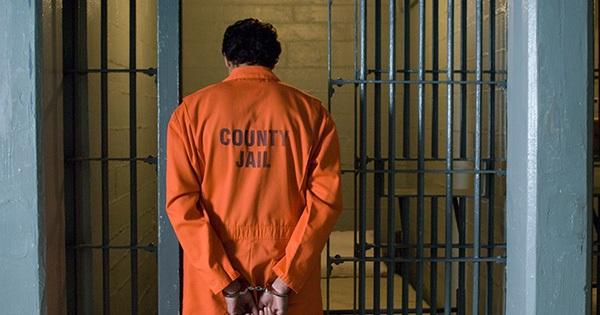 Du học 4 năm không nói được tiếng Anh, ở tù 6 tháng thông thạo như người bản xứ!