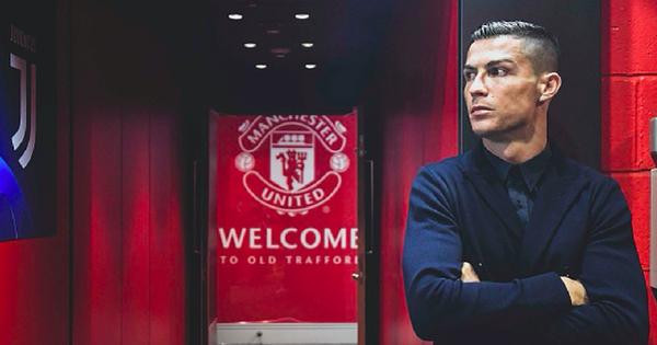 """Ronaldo diện đồ lịch lãm chuẩn """"soái ca"""" Italy trong ngày trở về mái nhà xưa MU"""