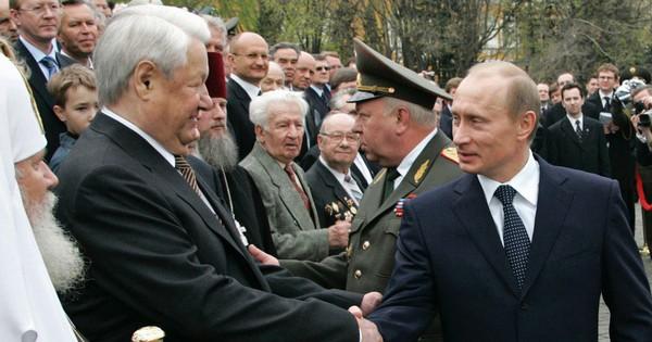 """Đưa ra đề nghị hấp dẫn, ông Yeltsin """"choáng"""" vì lời khước từ thẳng thừng của ông Putin - Soha"""