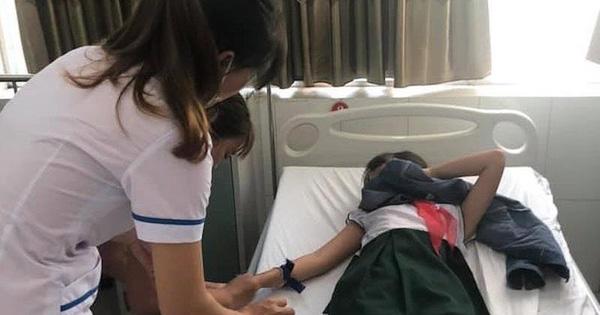Sau khi uống trà sữa, 16 học sinh nhập viện cấp cứu
