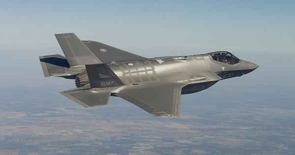 Máy bay F-35 ra mắt tại Đan Mạch với