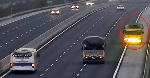 """Đi lùi, đi ngược chiều trên cao tốc: Những cú quay đầu """"tử thần"""""""