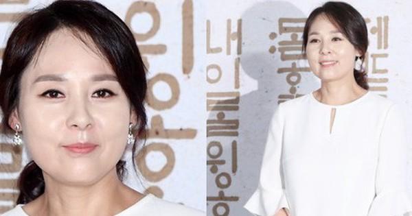 """Hình ảnh nữ diễn viên """"Mặt trăng ôm mặt trời"""" Jeon Mi Seon 4 ngày trước khi tự tử: Xót xa nụ cười hiền dịu"""