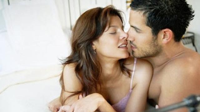 """5 cách """"quan hệ"""" an toàn, không có thai"""