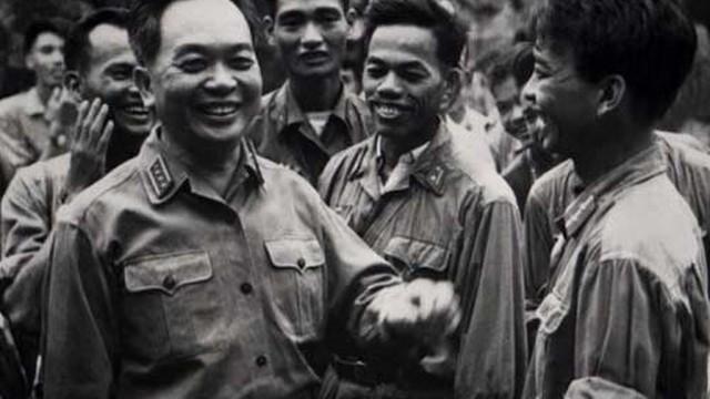 Những hình ảnh xúc động của Đại tướng với QĐND Việt Nam (I)