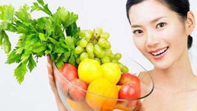 """10 nguyên tắc ăn uống tránh """"rước độc vào thân"""" ngày Tết"""