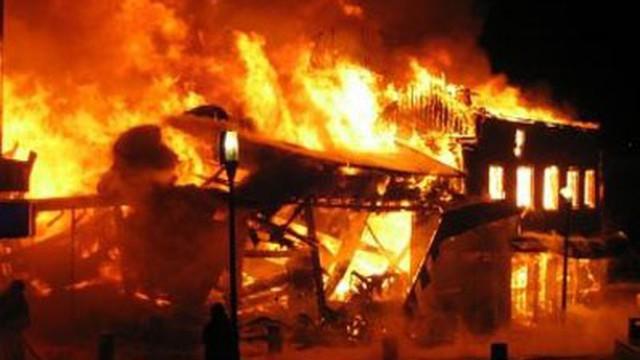 Kết quả hình ảnh cho phóng hỏa đốt nhà
