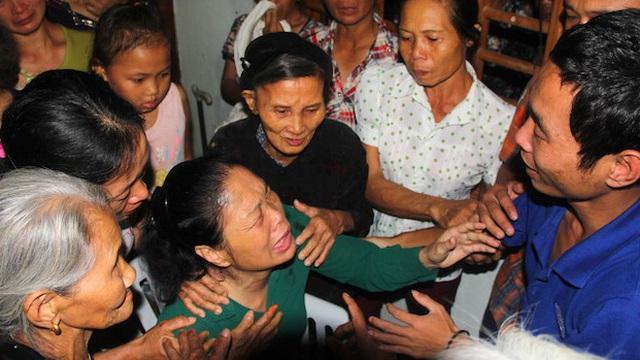 Nụ cười xen lẫn nước mắt trong căn nhà của thuyền viên bị cướp biển Somalia bắt cóc