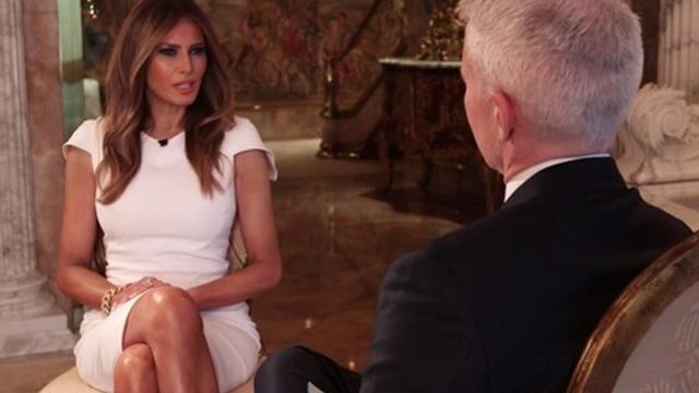 """Vợ Trump nói chồng bị """"gài bẫy"""" trong video tục tĩu"""