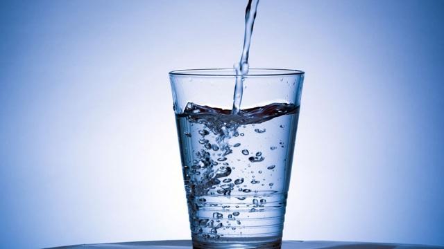 3 thời điểm chỉ cần uống nước cũng có thể tự cứu sống chính mình