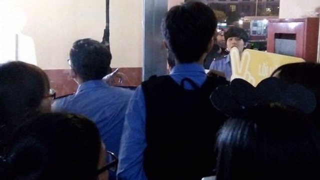 Hỗn loạn trong đêm diễn có Noo Phước Thịnh, Tóc Tiên