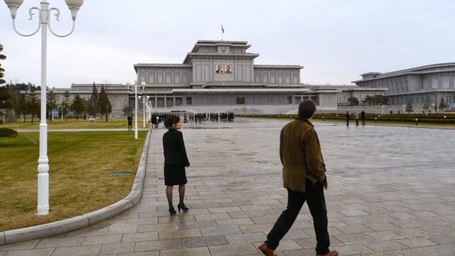 """Hồi tưởng rùng mình của nhà báo Mỹ về những """"hành vi ngu ngốc"""" trong chuyến du lịch Triều Tiên"""