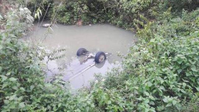 Ô tô lật làm cán bộ Sở Giao thông Nghệ An tử vong khi đi kiểm tra bão lũ