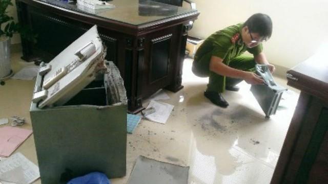 Nhân viên cũ mở két sắt quán cà phê Highland trộm gần 150 triệu đồng ở Sài Gòn