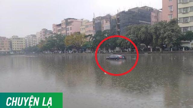 Lý giải sau hiện tượng chiếc ô tô xuất hiện, đỗ chắc chắn trên mặt nước giữa hồ nuôi cá