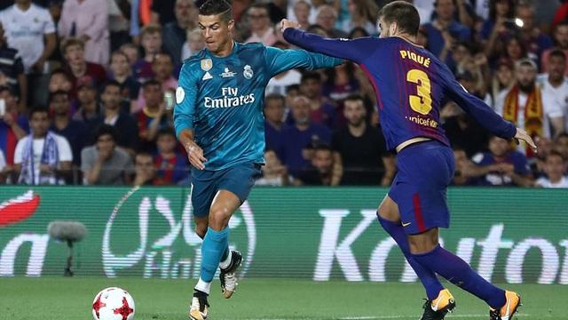 """Ronaldo nhận thẻ đỏ, Real Madrid vẫn đường hoàng """"bắt nạt"""" Barca"""