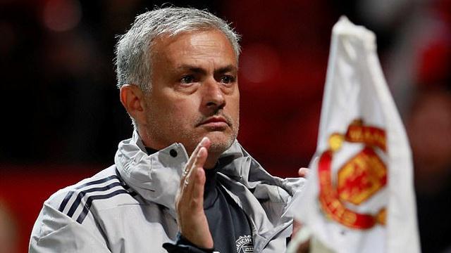 Man United nghiền nát đối thủ, Mourinho vẫn khó chịu khi nói đến cúp Liên đoàn