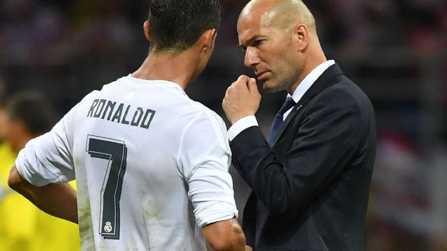 """Tiết lộ: Ronaldo đang âm mưu """"rút ruột"""" Man United"""