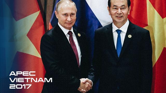 """Tổng thống Putin ở Đà Nẵng: Nghĩa cử dành cho Việt Nam và """"cuộc gặp kỳ lạ"""" với Tổng thống Mỹ"""